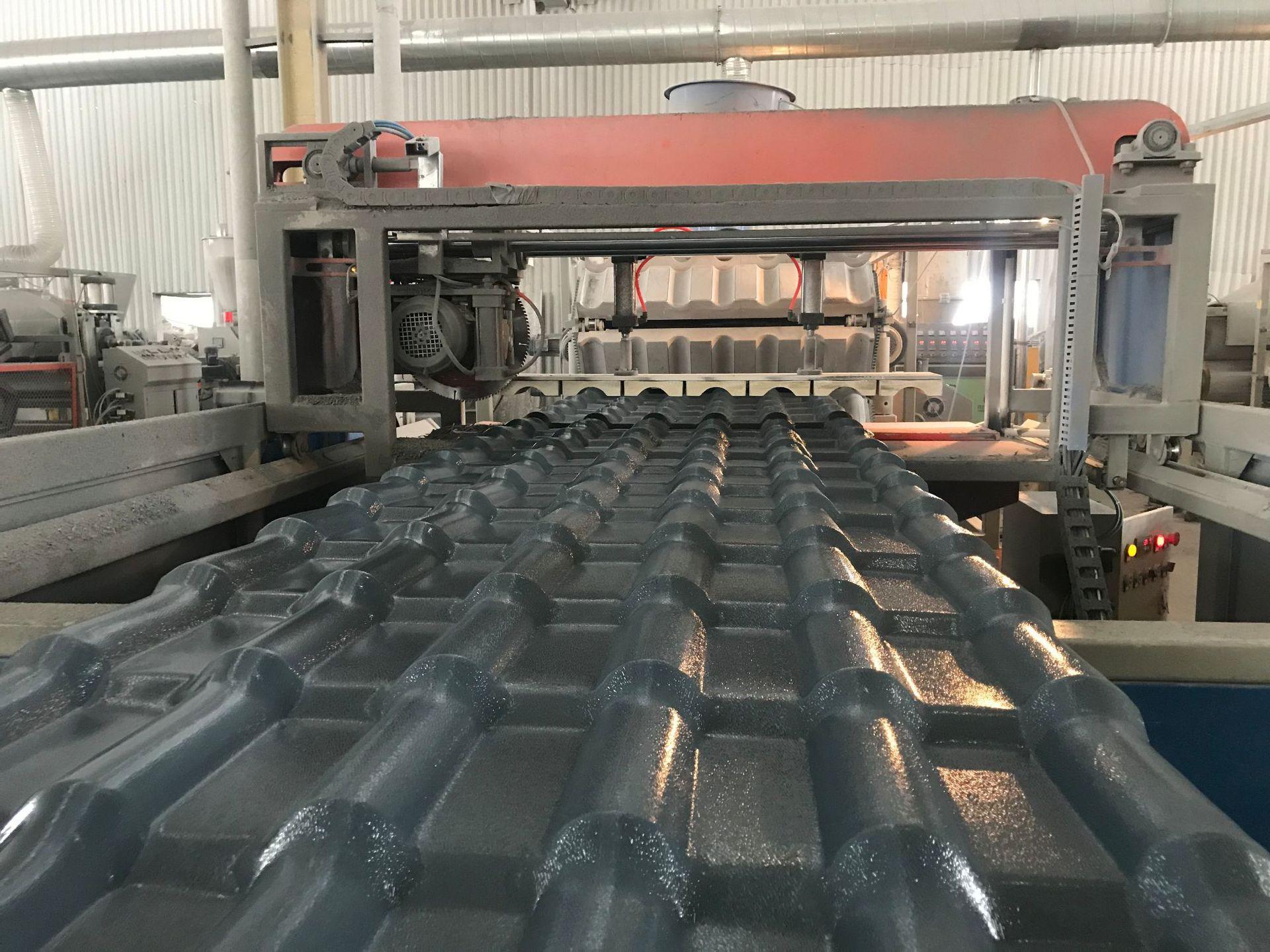 pvc塑料树脂合成琉璃瓦生产设备