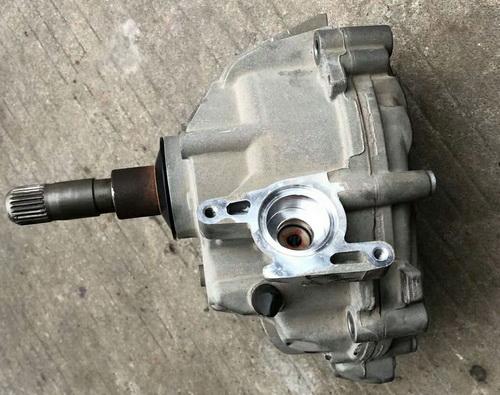 保时捷马卡分动箱 倒车镜 刹车总泵 蒸发箱