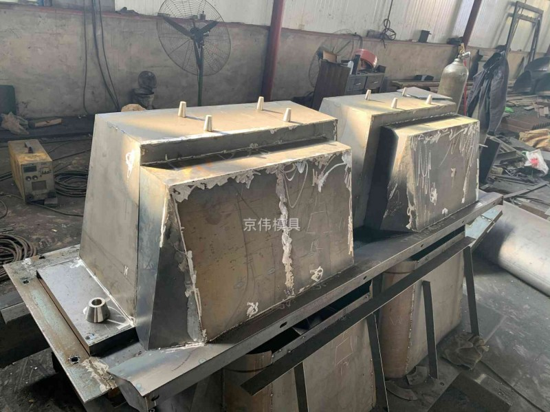 肥西县河道水利工程模具植草式生态挡土墙模具京伟厂家