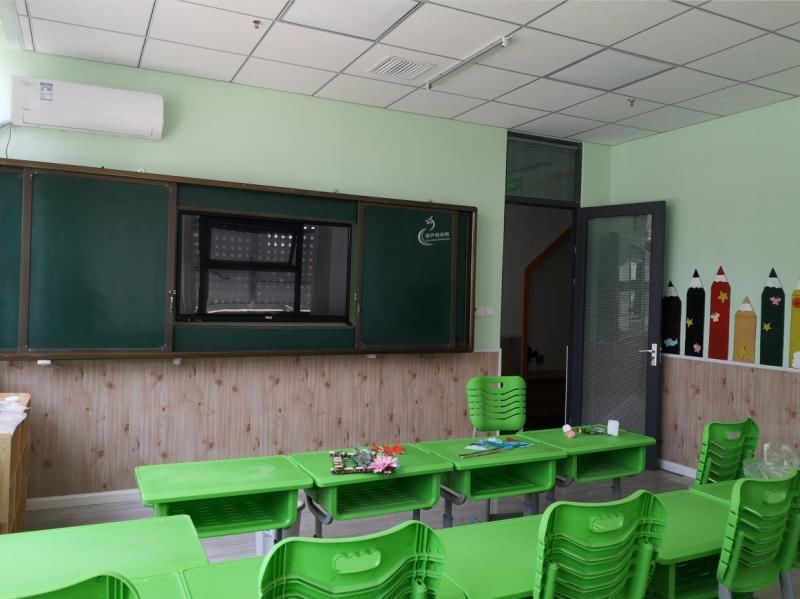 幼儿园儿童推拉黑板