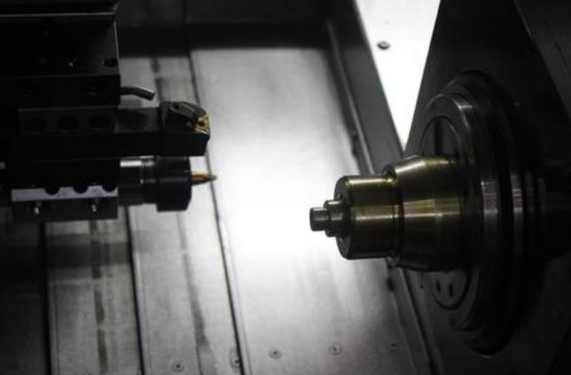 数控GZ4230卧式锯床,运行稳定,操作简单