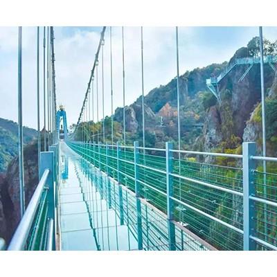 网红玻璃桥厂家安装设计